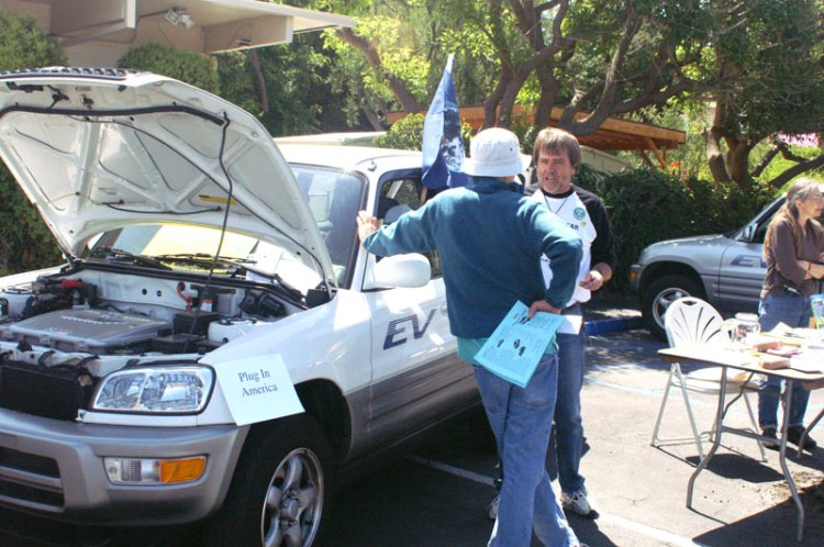 Dency at 08 Energy Fair with his ev